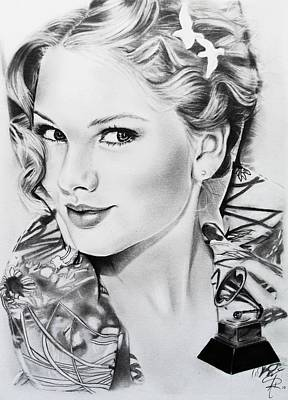 Taylor Swift Drawing - Taylor Swift by Andrea Realpe