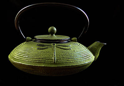 Tea Pot Print by Jean Noren
