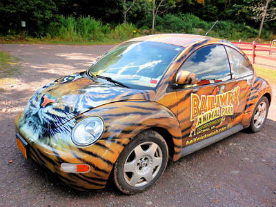 Local Attraction Painting - The Animal Parks New Theme Car 3 by Lanjee Chee