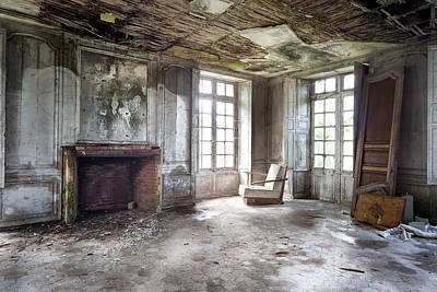 Abandoned Homes Photograph - The Big Room - Abandoned Castle by Dirk Ercken