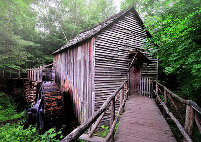 Old Mill Scenes Photograph - The Cable Grist Mill by Thomas Schoeller