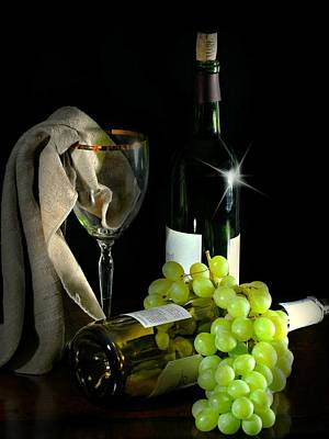 Heart Healthy Photograph - The Grapes by Diana Angstadt