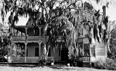 Old Houses Photograph - The Great Old House by David Lee Thompson
