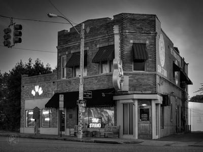 Rhythm And Blues Photograph - The Legendary Sun Studio 003 Bw by Lance Vaughn
