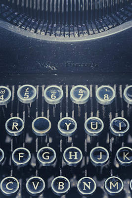 Typewriter Photograph - The Missing Letter by Joana Kruse