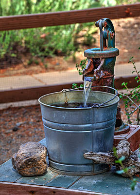 Flowing Wells Photograph - The Old Water Pump by Richard Stephen