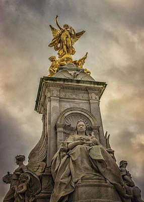 Buckingham Palace Photograph - The Palace by Martin Newman