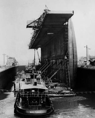 1950s Candids Photograph - The Panama Canal, A U.s. Navy Floating by Everett