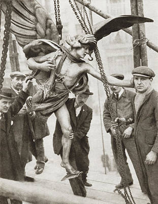 London Tube Drawing - The Removal Of The Statue Of Eros From by Vintage Design Pics