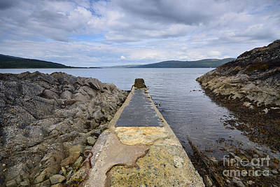 Mulling Photograph - The Sound Of Mull by Stephen Smith