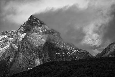Riddler Photograph - The Veiled Vale by Ian Riddler