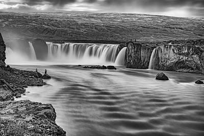 Modernart Photograph - The Waterfalls by Liran Eisenberg