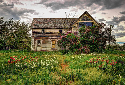 Old House Photograph - Thomas Kinkade by Brad Stinson