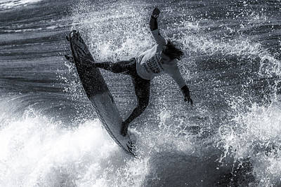 Tip Of The Froth Print by Thomas Gartner