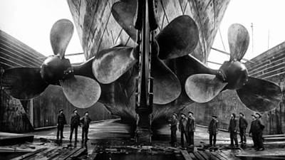 Sink Digital Art - Titanic Propellers by Bill Cannon