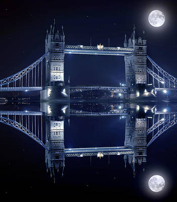 Tourist Attraction Digital Art - Tower Bridge In London By Night  by Jaroslaw Grudzinski