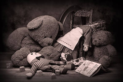 Teddy Bear Photograph - Toys by Tom Mc Nemar