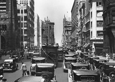 Bus Photograph - Traffic On Fifth Avenue by Underwood Archives