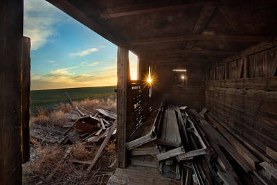 Barn Wood Photograph - Traveled by Thomas Zimmerman
