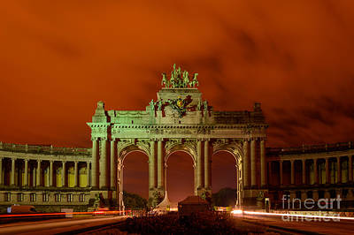 Long Street Digital Art - Triumphal Arch At Night, Brussels by Sinisa CIGLENECKI