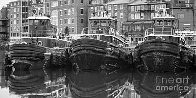 Tug Boat Alley Portsmouth New Hampshire Print by Edward Fielding