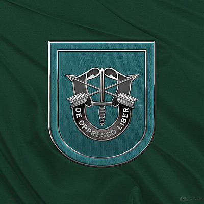 U. S.  Army 19th Special Forces Group - 19 S F G  Beret Flash Over Green Beret Felt Original by Serge Averbukh
