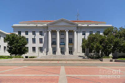 University Of California Berkeley Historic Sproul Hall At Sproul Plaza Dsc4082 Print by Wingsdomain Art and Photography