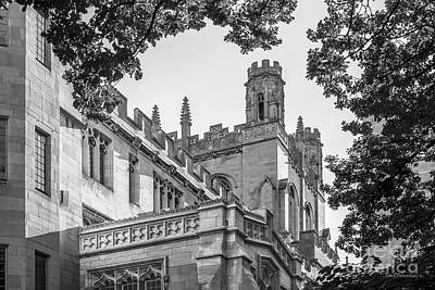 University Of Chicago Collegiate Architecture Print by University Icons