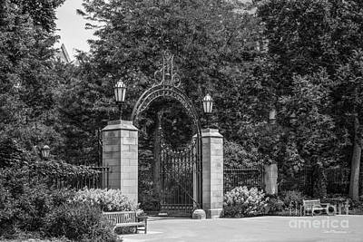 University Of Chicago Hull Court Gate Print by University Icons