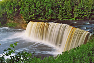 Michigan Waterfalls Photograph - Upper Tahquamenon 6229 by Michael Peychich