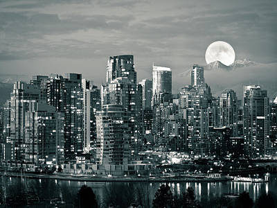 No People Photograph - Vancouver Moonrise by Lloyd K. Barnes Photography