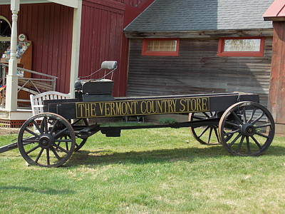 Vermont Country Store Photograph - Vermont Country Store Wagon by Catherine Gagne