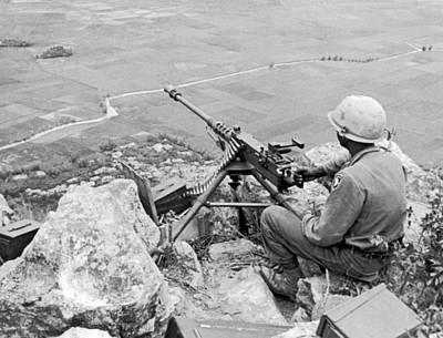 U.s Army Photograph - Vietnam Machine Gunner by Underwood Archives