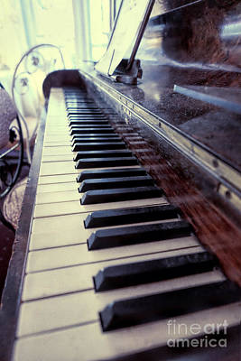 Photograph - Vintage Piano by Eyzen Medina