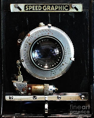 Vintage Speed Graphic Camera . 7d13214 Print by Wingsdomain Art and Photography