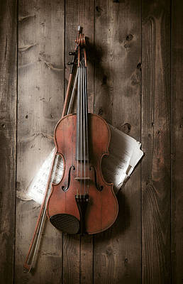Bow Photograph - Violin by Garry Gay