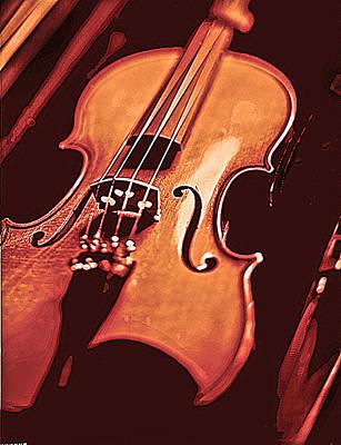 Violin Digital Art - Violin Or Fiddle by Robert Ponzoni