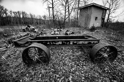 Abandoned Photograph - Wagon Wheel by George Patterson