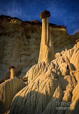 Wahweap Hoodoos At Dawn Print by Inge Johnsson