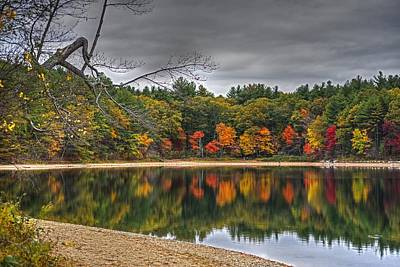 Walden Pond Photograph - Walden Pond Fall Foliage Concord Ma by Toby McGuire