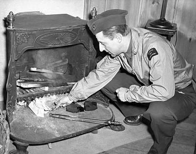 Crouched Photograph - War Reporter Burns Notes by Underwood Archives