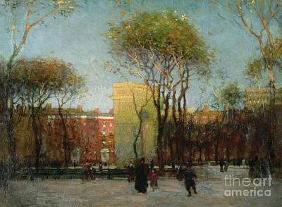 Old-fashioned Painting - Washington Square New York by Paul Cornoyer