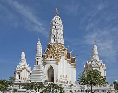 Wat Phitchaya Yatikaram Prangs Dthb1186 Print by Gerry Gantt