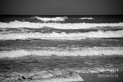 Bnw Photograph - Waves 3 In Bw by Susanne Van Hulst