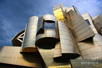 University Of Minnesota Photograph - Weisman Art Museum University Of Minnesota by Wayne Moran