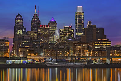 Philadelphia Skyline Photograph - Welcome To Penn's Landing by Susan Candelario