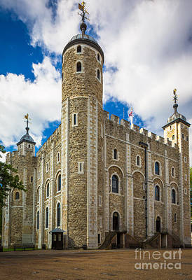 Union Jack Photograph - White Tower by Inge Johnsson