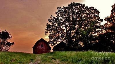 Wisconsin Barn Print by Marilyn Smith