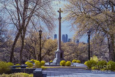 Minneapolis Skyline Photograph - Wwi Monument And Minneapolis Skyline by Craig Hinton