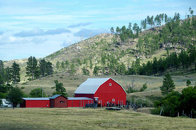Wyoming Red Barn On The Ranch Print by Thomas Woolworth